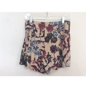 Zara faux suede floral skirt/shorts  NWT Small